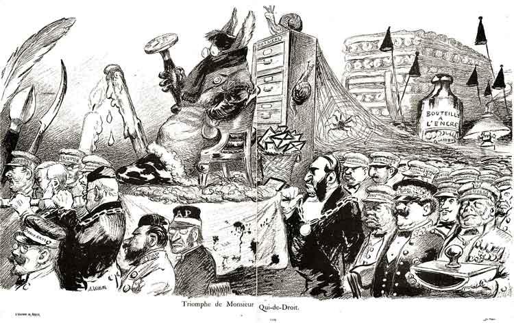 Foule de fonctionnaires avec des casquettes marquées : Guerre ,Cultes , Marine, Beaux-Arts , etc ...